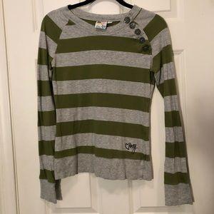Adorable striped shirt